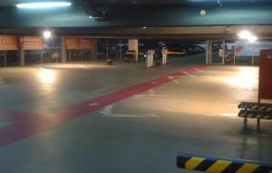 Die Einfahrt zum Premium Parken Flughafen München